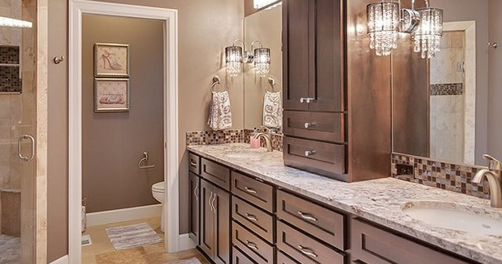 master bathroom, travertine floors, granite counter, dark cabinets